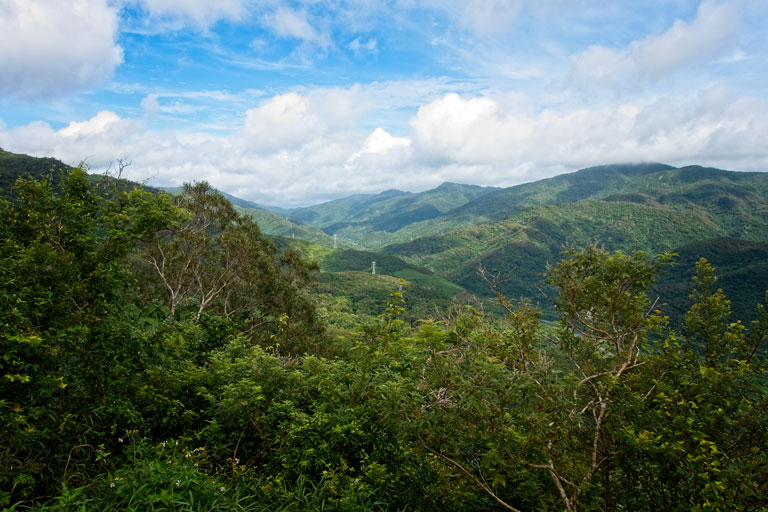 Taiwan Mountains - blue sky and white clouds