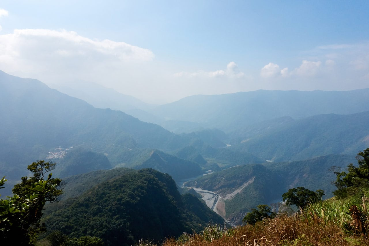 Panoramic mountain and river view - ZuMuShan 足母山 trail