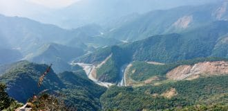 ZuMuShan featured image - mountains and rivers below