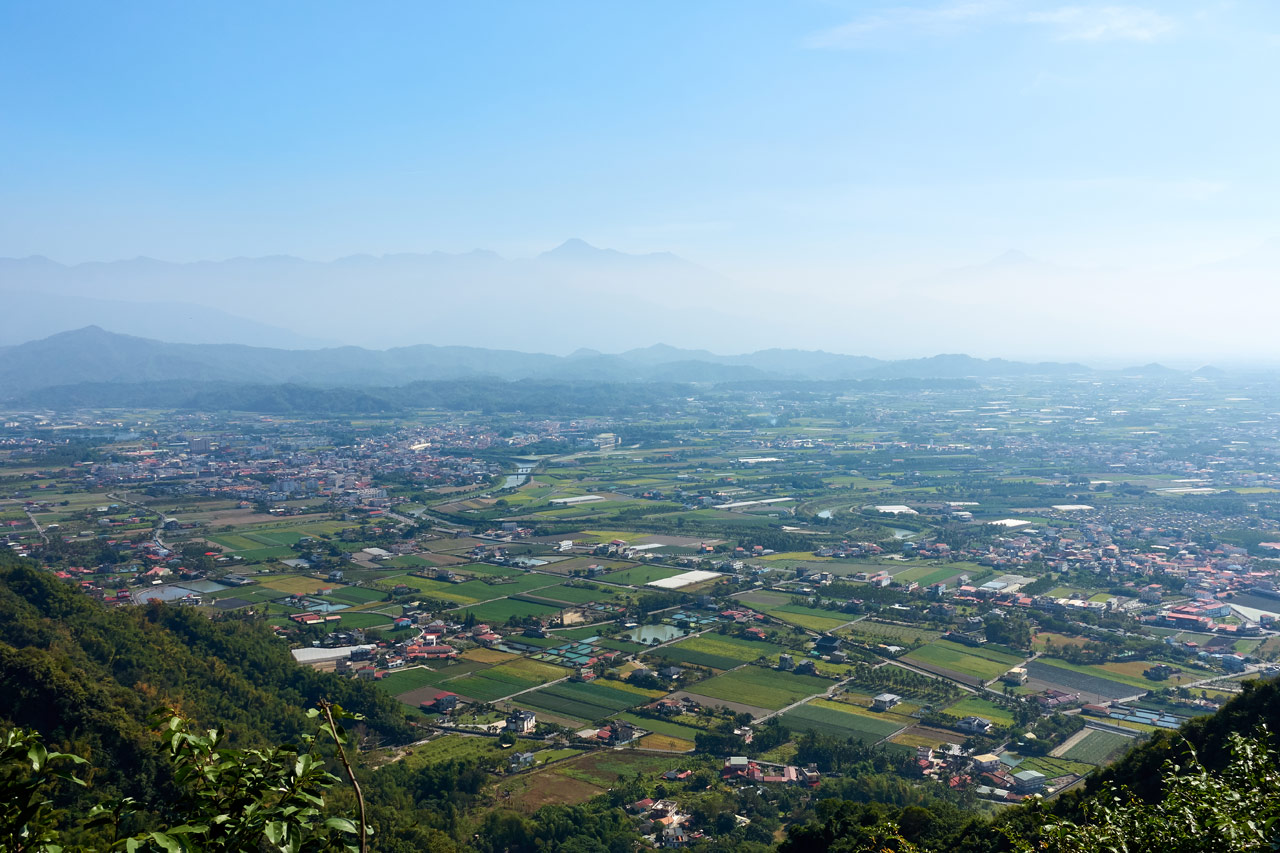 Farmland and mountain view from above - 旗月縱走 - 金字圓山