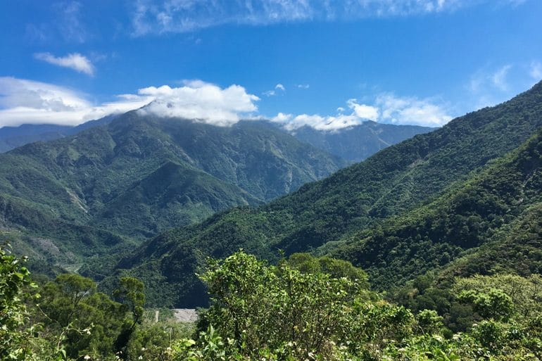 Panoramic shots of mountains see on the JiuBaoShan 久保山 trail