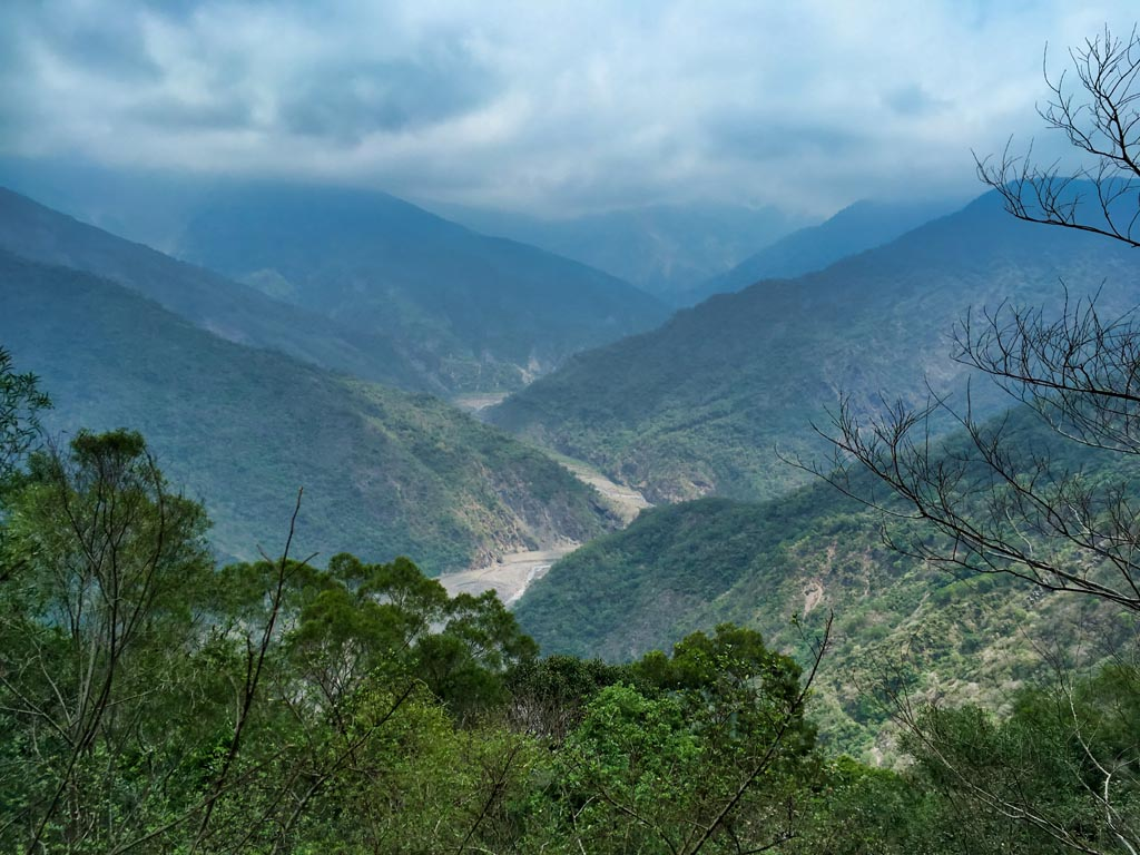Lili River and mountain view - 力力溪河