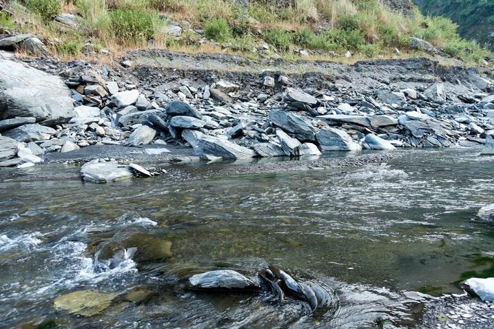 Rocky riverbed - ZuMuShan 足母山