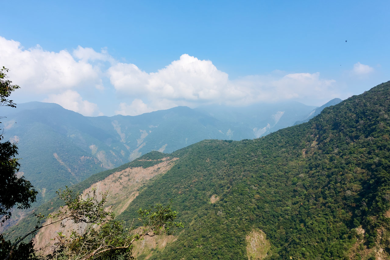 Panoramic mountain view - ZuMuShan 足母山 trail