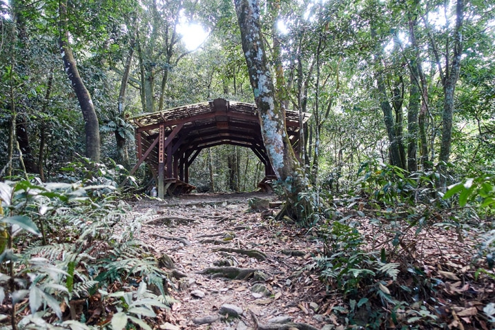 Covered rest area in middle of rocky trail - WeiLiaoShan Hike – 尾寮山