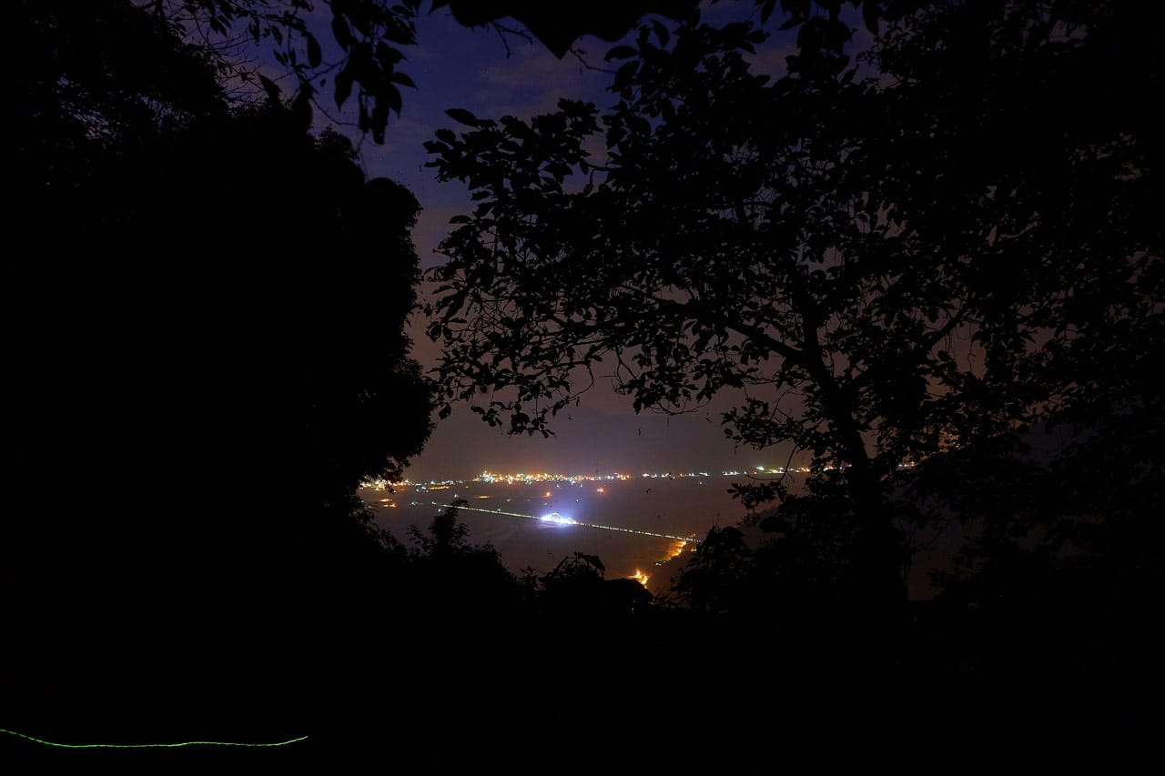 Night picture of city and bridge below - WeiLiaoShan 尾寮山 trail