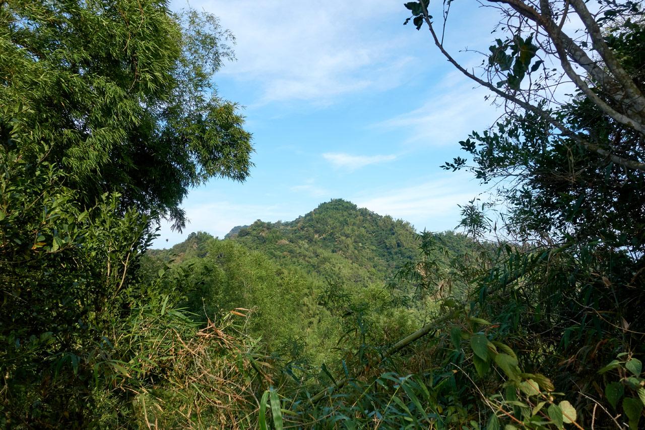 雙峰山 from a distance - 旗月縱走