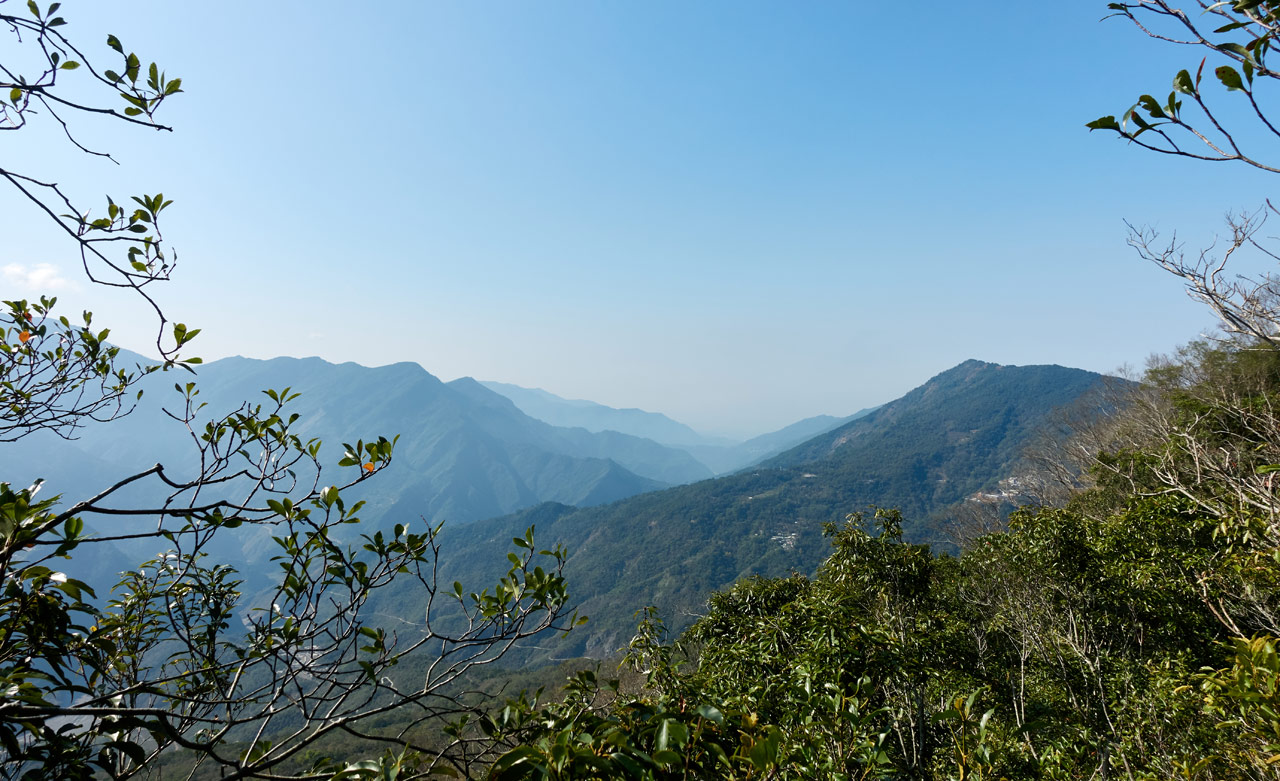 Panoramic mountain view - Huyaluoshan - 戶亞羅山 trail