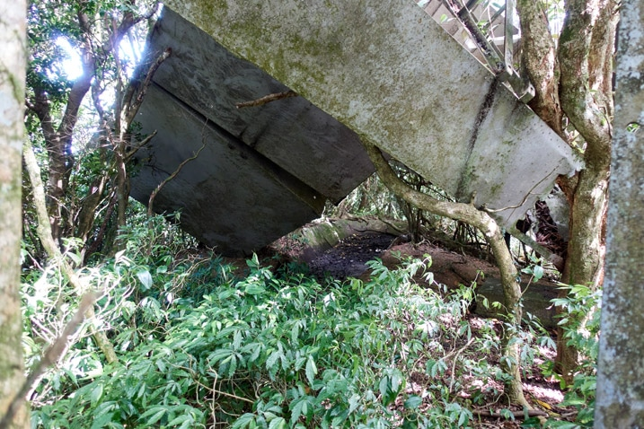 Remains of a Passive radio repeater on the ground